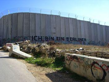 800px-Israel-Palestinian_Wall_Ich_Bin_Eine_Berliner